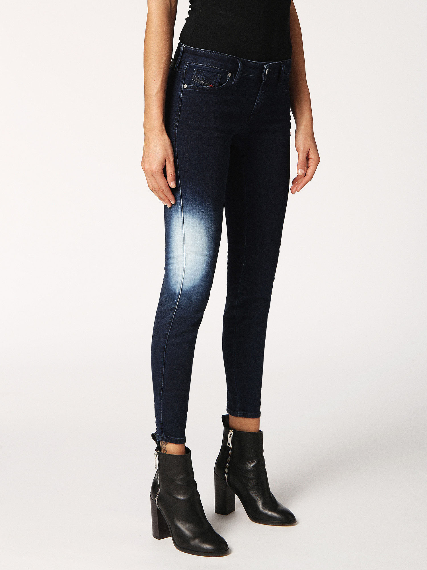 gracey women Gracey 084qj skinny jeans woman low waist, slim fit and skinny leg make gracey a jeans that easily adapt to different body shapes you ll just have to worry about which wash is your favorite one.