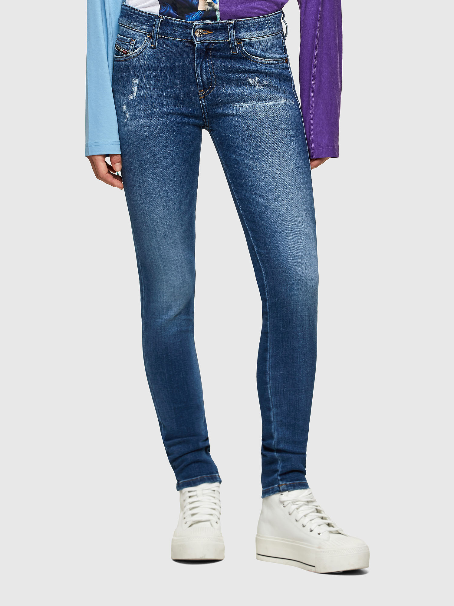 https://www.diesel.co.jp/products/detail.php?product_id=2307046&brand=diesel&subcat=women&classcategory_id1=2324107&category_id=10028
