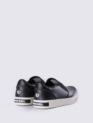 SLIP ON 3 BLACK YO